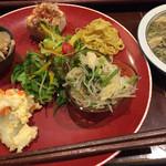 高品質珈琲と名曲 私の隠れ家 - お皿の定食