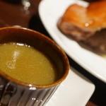 cochinillo - ソース(焼いてでた脂