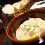 cochinillo - 白いんげん煮込みとパン