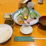 魚佐 - お刺身盛り合わせ定食