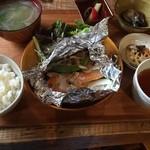 Cafe de Manma - 日替わりランチ(鮭の・・・詳細は忘れました。)1,000円未満