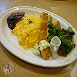 卵と私 - 「ステーキと海老フライのオムライスプレート ドリンク付き」1380円