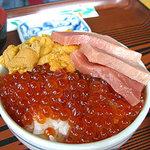 かもめ食堂 - なずな丼No.9 (イクラ・ウニ・マグロ)
