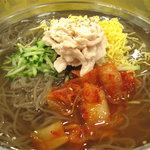 ビビン亭 ゆめタウン久留米店 - 母が頼んだ、特製冷麺680円。