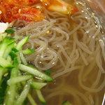 ビビン亭 ゆめタウン久留米店 - 冷たく・ノンオイルのあっさりスープ。予想したより、なかなか美味しかったです。