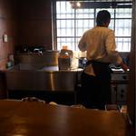 ラ・ピアンタ - 厨房の真ん前