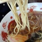 38774021 - 麺は中細ストレート麺