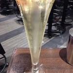 俺のフレンチ・イタリアン AKASAKA - 俺の泡 スパークリング白680円税別