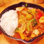 野菜を食べるカレー camp - 一日分の野菜カレー