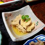 立花 - マグロの玉子。タラコよりしっかりした食感、ごく薄味での仕上げ
