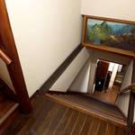 立花 - 急な階段は、昔の和風建築の特徴(強調しすぎなアングルですが…)