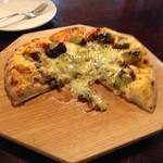 38779175 - なす・ひき肉のピザ 写真を撮るのも忘れてかぶりついてしまった…