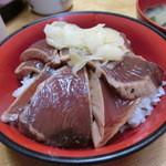 38782970 - 2015年5月:カツオの漬け丼(\600+税)…カツオには結構濃く生姜醤油風味がつけられています