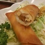 三ちゃん食堂 - さくさくの春巻は300円で2本