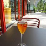 レ ロジェ ビストロ ド ロア - マムのグラスで冷え冷えロゼ