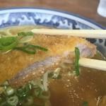 名代中華そば 山金 - ガッツリ、肉厚なトンカツでした。