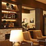 高倉町珈琲 - 内観写真:ホテルのロビーを思わせる豪華な雰囲気