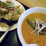 台湾料理 味源 - 料理写真:ラーメンセット800円(担々麺+回鍋肉丼)