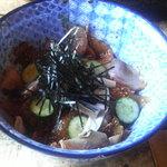 漁師料理十次郎 - 海鮮丼 あら汁が付いて1260円