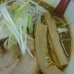 カレーらーめん じぇんとる麺 - 他には濃厚スープに合うさっぱりとした白髪ねぎ、メンマ