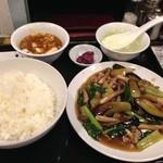 38812727 - 茄子はたけしめじ小松菜豚肉炒め定食780円