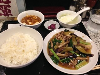 春駒 - 茄子はたけしめじ小松菜豚肉炒め定食780円