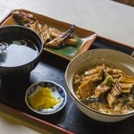 炭焼あなご やま義 - 料理写真:2種類のあなごを楽しめる『やま義定食』は欲張りな定食