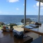 シーサイド  - 窓からの景色