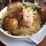 らーめん砦 木津城 - らーめん (680円) + 味玉 (100円)