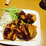 COCOS - 串カツ盛り合わせ、美味しそうなので海老食べてしまいました(^^;;