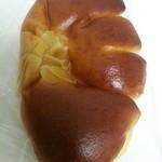 ブーランジェリー夢屋 - 「クリームパン」125円税込