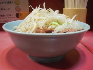 ラーメン二郎 歌舞伎町店 - 普通盛+野菜ニンニク
