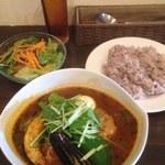 カーニャ パッソ - 豚の角煮と野菜のスープカレー