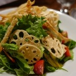 海鮮食道 十八番 - (2015/5月)「根菜チップスのサラダ 和風ゆずドレッシング」