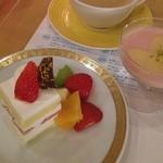 レストラン コンチネンタル - ショートケーキとパンナコッタ☆ デザートの中で一番美味しかったショートケーキ♡