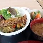 38827067 - 豚飯丼