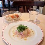 パリのワイン食堂 - 真鯛のカルパッチョと季節の野菜