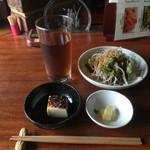 38832503 - 680円の麻婆豆腐定食についてきたオプション。小鉢…麻婆豆腐でも豆腐なのね…
