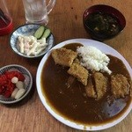 居酒屋万ちゃん - カツカレー500円マカロニサラダと味噌汁つき
