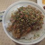 イーポック - ご飯に納豆&ふりかけ。それを海苔巻きにします(2015.6.7)
