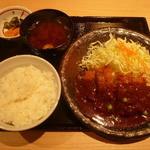 かつ丼 城下町 - デミカツ定食896円