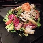 産直青魚専門 御厨 - 彩りグリーンサラダ