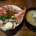 傳兵 - 海鮮丼