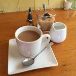 ラ フルシェット - 有機栽培コーヒーとシャンパーニュのフタの兵隊