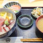 刺身屋新太郎 - 【2015年6月再訪】海鮮丼ランチ1200円!