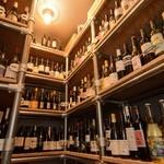 スケッチ - 日本全国から取り寄せた、芳醇な味わいのワインも豊富に取り揃えています