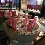 モナリザ - シャンパンもピンクで