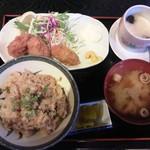 浜の牡蠣小屋 - 牡蠣ご飯定食ランチ750円