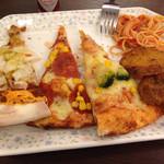 シェーキーズ - ピザとパスタとポテトフライ