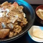 モリモリ - 料理写真:モツ煮丼